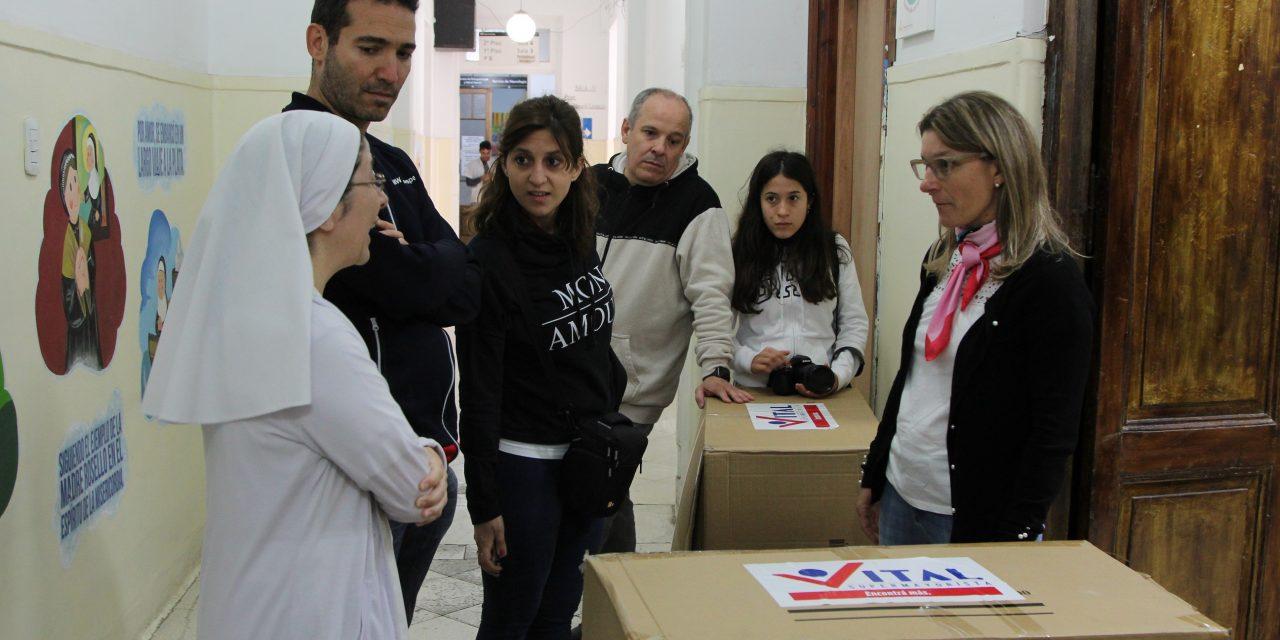 <span style='color:#020c7e;font-size:15px;'>También donaron juguetes para comedores</span></br>Peluches para los chicos del Hospital Sor María Ludovica