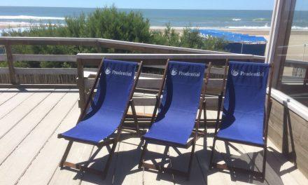 Bolsas ecológicas en la playa