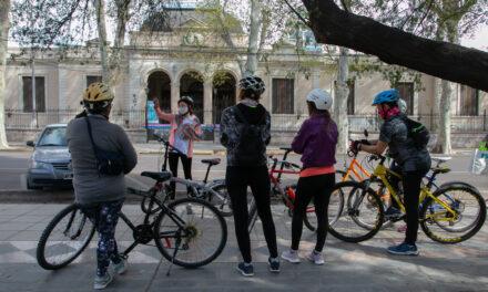 <span style='display:inline-block;line-height:1rem;color:#1B849E;font-size:15px;'>Celebración del Día del Maestro</span></br><span style='color:#333333;font-size:22px;'>Tour en bicicleta para docentes de la ciudad de Mendoza</span>